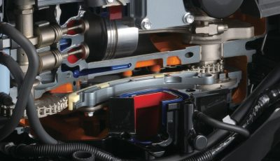 Suzuki-DF50-perämoottori-nokkaketju